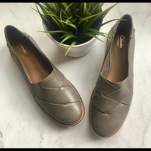 CLARKS Artisan Woven Leather Slip On Loafers 9 EUC